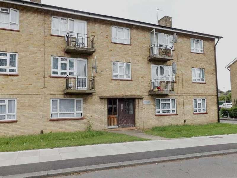 3 Bedrooms Flat for sale in Bushfield Crescent, Edgware