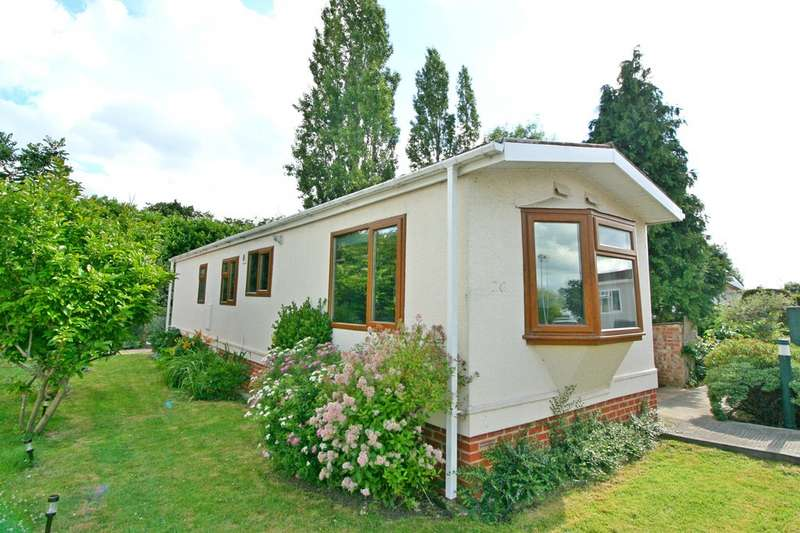 2 Bedrooms Detached House for sale in Cambridge Lodge Park, Bonehurst Road RH6