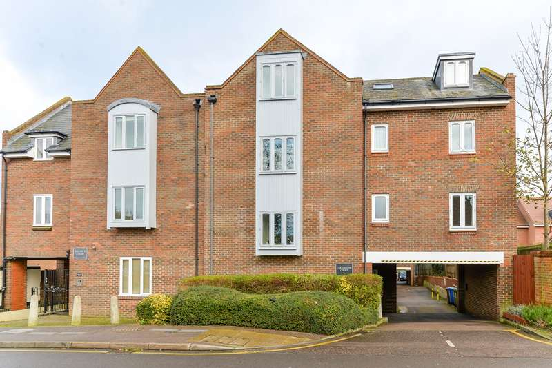 2 Bedrooms Apartment Flat for sale in Princes Mews, Royston, SG8