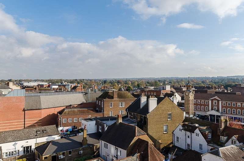 2 Bedrooms Penthouse Flat for sale in Station Approach, Epsom, Surrey, KT19