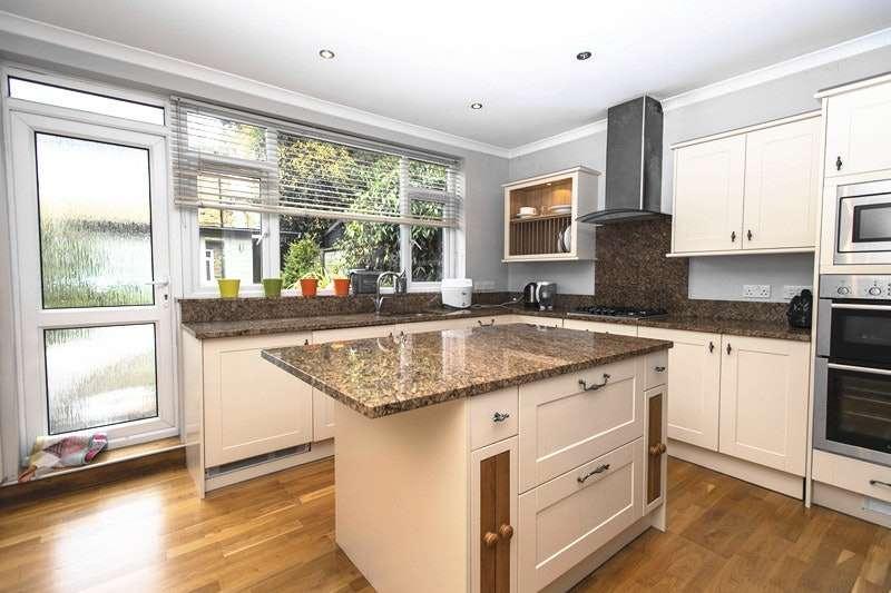 3 Bedrooms Terraced House for sale in Camden Grove, Chislehurst, Kent, BR7