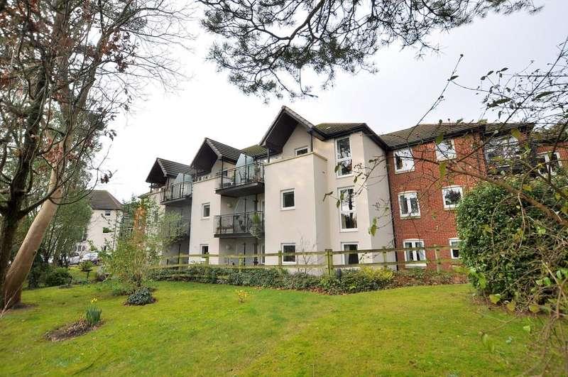 1 Bedroom Flat for sale in Cherrett Court, Ringwood Road, Ferndown
