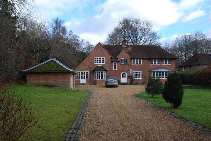 4 Bedrooms Detached House for rent in Seer Green, Beaconsfield, HP9