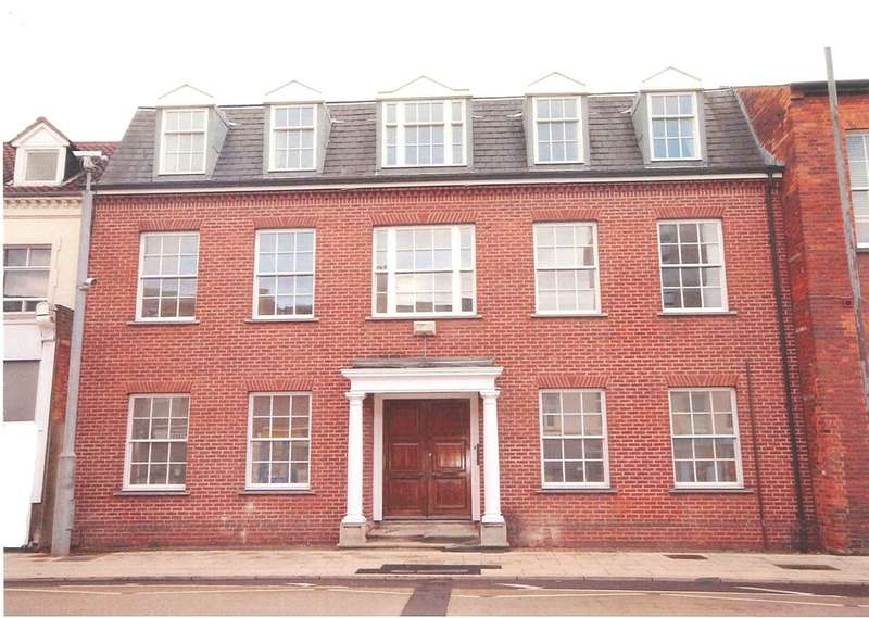 2 Bedrooms Apartment Flat for sale in 19 The Crescent, Bedford, MK40