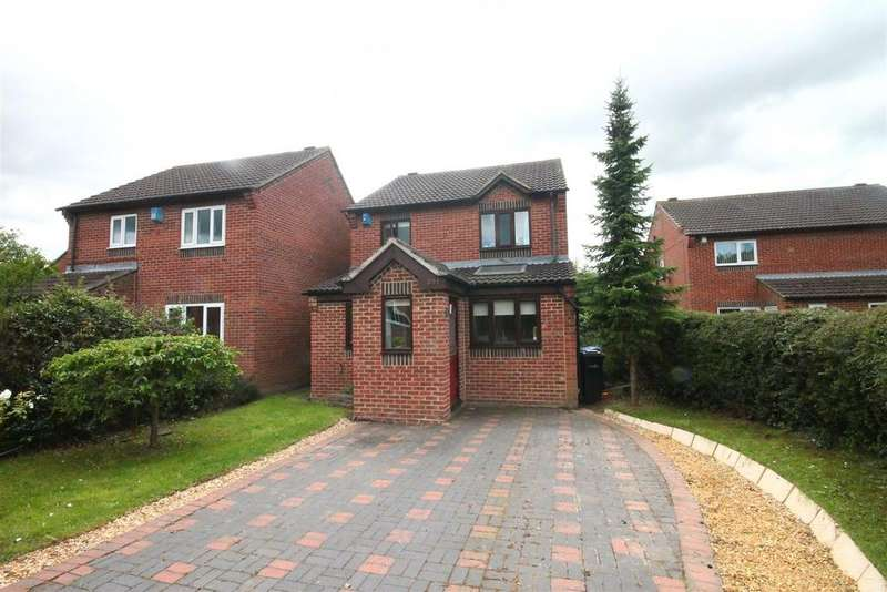 3 Bedrooms Detached House for sale in Eagle Park, Marton-In-Cleveland, Middlesbrough