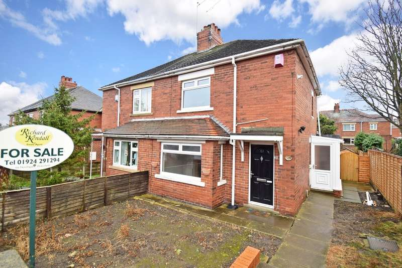 2 Bedrooms Semi Detached House for sale in Bevin Crescent, Wakefield