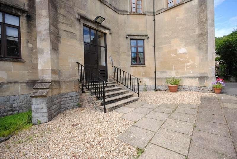 2 Bedrooms Flat for sale in St Johns Court AXBRIDGE Somerset BS26