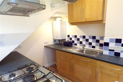 2 Bedrooms Flat for rent in High Street, Rochester