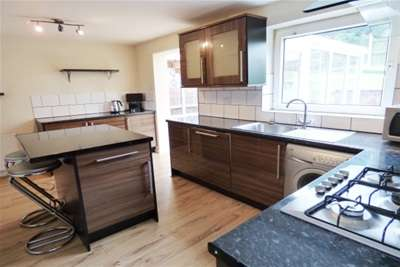 3 Bedrooms Detached House for rent in Falcon Close, Blackburn
