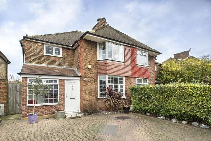3 Bedrooms Semi Detached House for sale in Steventon Road, London, W12