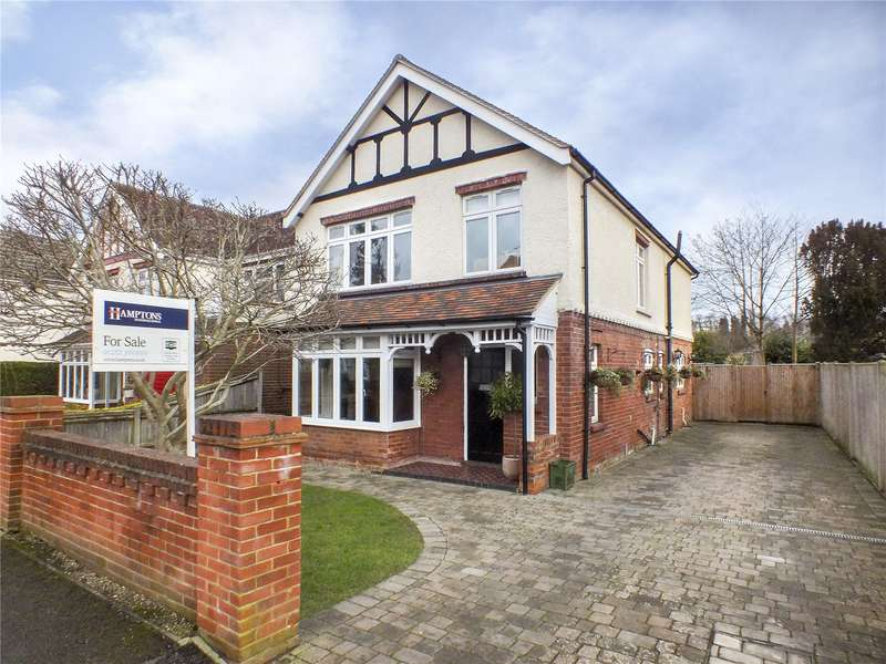 4 Bedrooms Detached House for sale in Manor Road, Farnborough, Hampshire, GU14