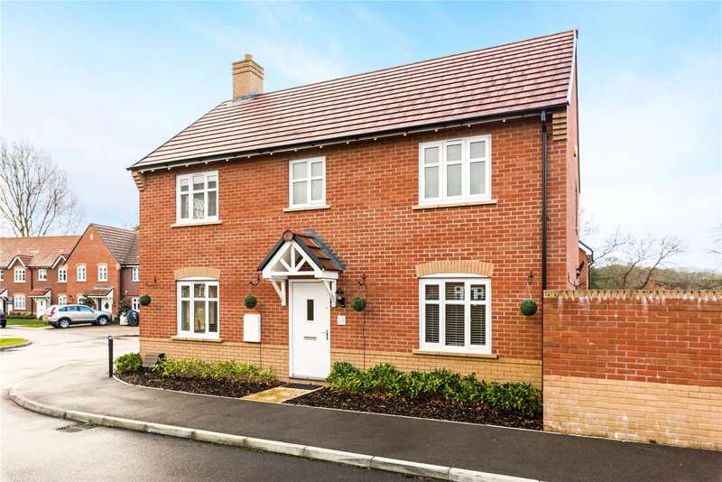 4 Bedrooms Detached House for sale in Blake Road, Hermitage, Thatcham, Berkshire, RG18