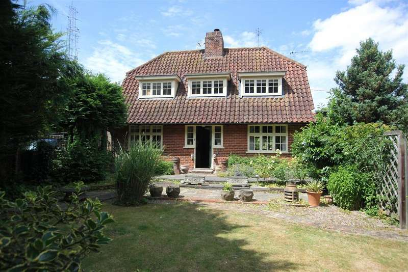 3 Bedrooms Detached House for sale in Danbury, Chelmsford