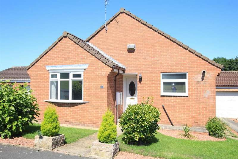 3 Bedrooms Detached Bungalow for sale in Sandown Drive, Woodham, Newton Aycliffe