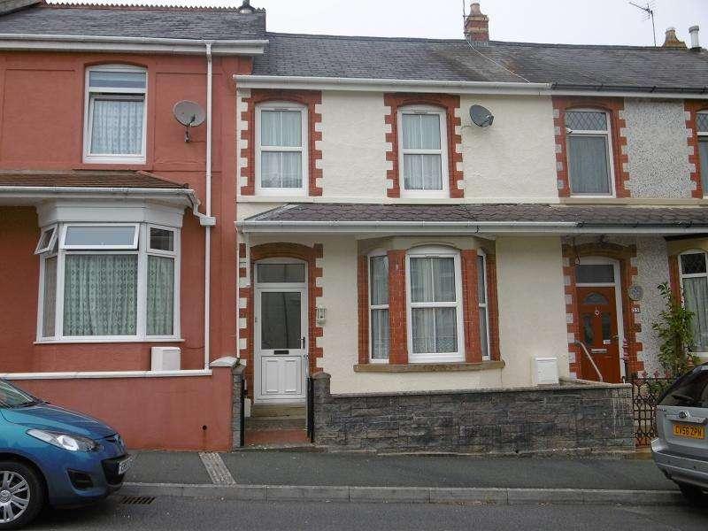 4 Bedrooms Terraced House for sale in Alan Road, Llandeilo, Carmarthenshire.