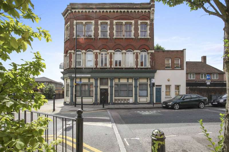 1 Bedroom Flat for sale in Bromley High Street, London, E3