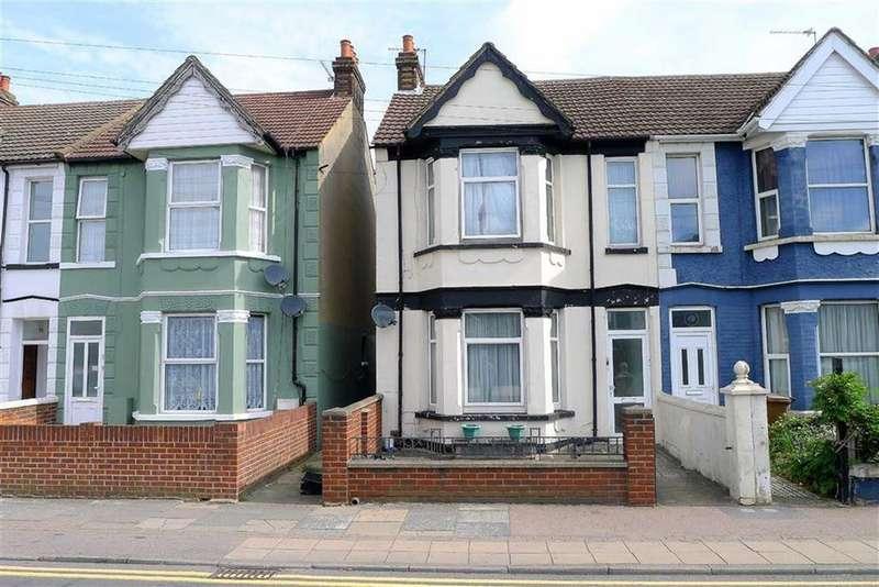 4 Bedrooms Semi Detached House for sale in Watling Street, Gillingham