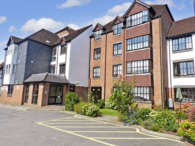 1 Bedroom Property for sale in Caburn Court, Lewes, BN7 2DA