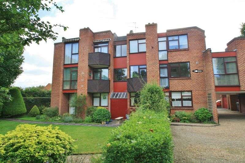 2 Bedrooms Property for sale in St Leonards Court, Reading Road, Wallingford