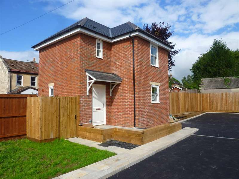 2 Bedrooms Detached House for sale in Trowbridge