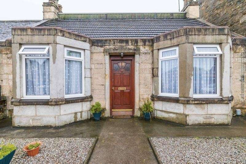 3 Bedrooms Property for sale in 16 Main Street, Davidsons Mains, Edinburgh, EH4 5BY
