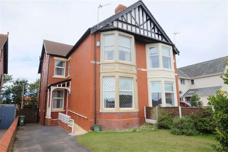 5 Bedrooms Semi Detached House for sale in St Leonards Road West, St Annes