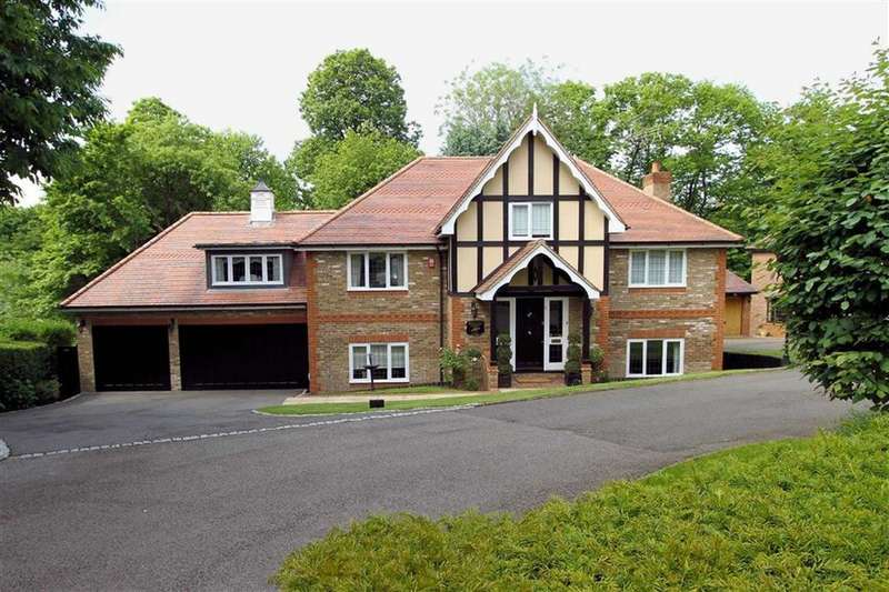 5 Bedrooms Detached House for sale in Oakland View, Oaklands, Welwyn AL6 0RJ