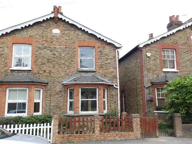 3 Bedrooms House for rent in Beaconsfield Road, Surbiton