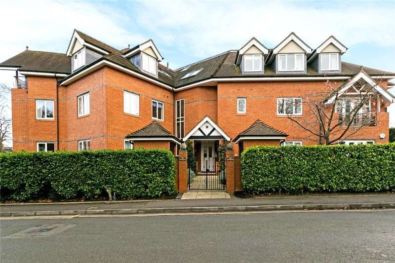 2 Bedrooms Flat for sale in The Courtyard, Grove Road, Beaconsfield, HP9