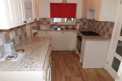 2 Bedrooms Detached House for rent in Rotherfield, East Sussex