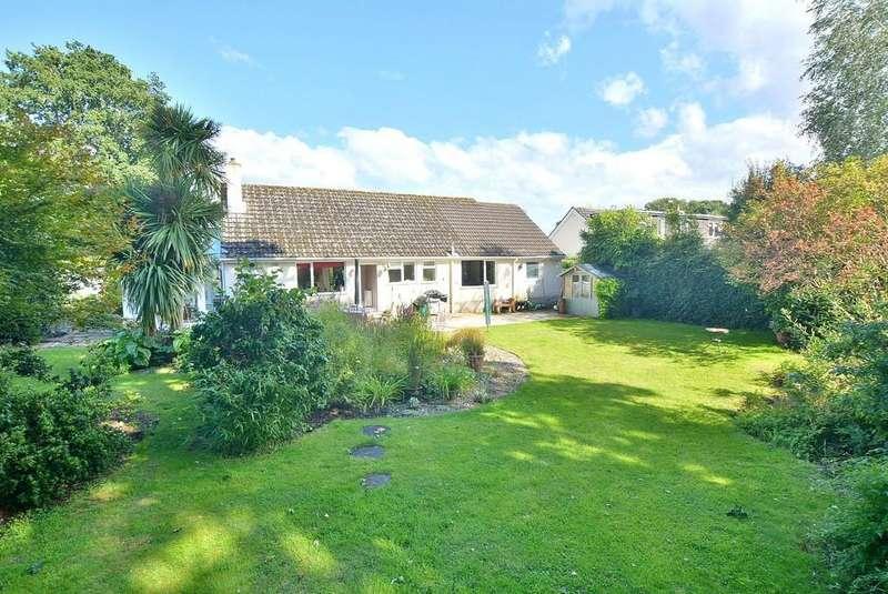 4 Bedrooms Detached Bungalow for sale in Cedar Drive, Wimborne