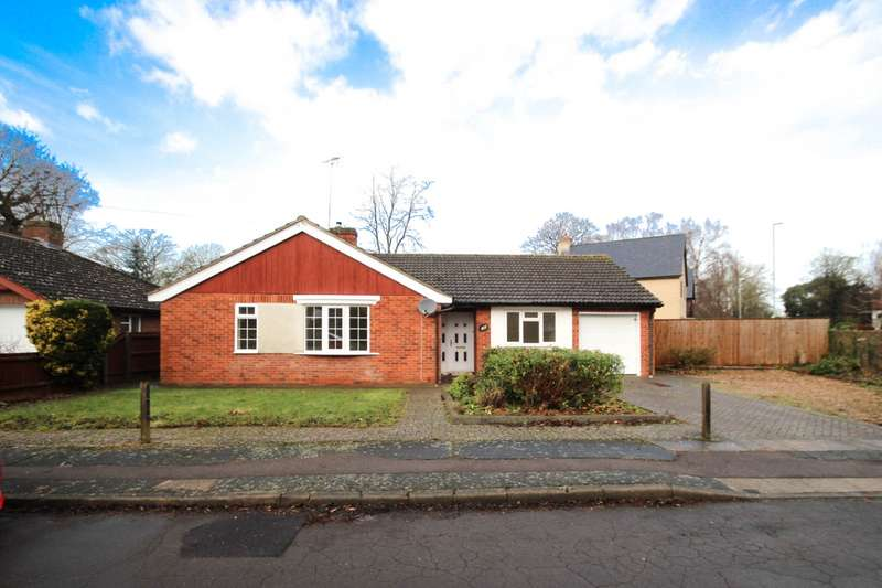 3 Bedrooms Bungalow for rent in Elms Avenue, Great Shelford, Cambridge