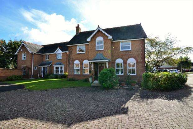 4 Bedrooms Detached House for sale in Ferndales Close, Up Hatherley, Cheltenham, Glos, GL51 3XH