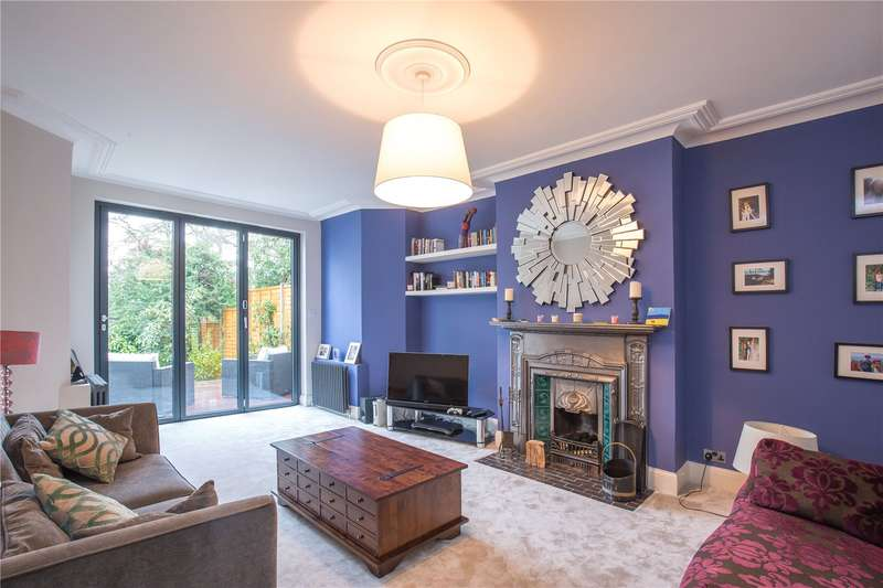 4 Bedrooms Semi Detached House for sale in Church Vale, London, N2