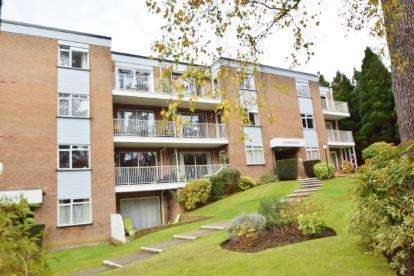 2 Bedrooms Flat for sale in 9 Glenferness Avenue, Bournemouth, Dorset
