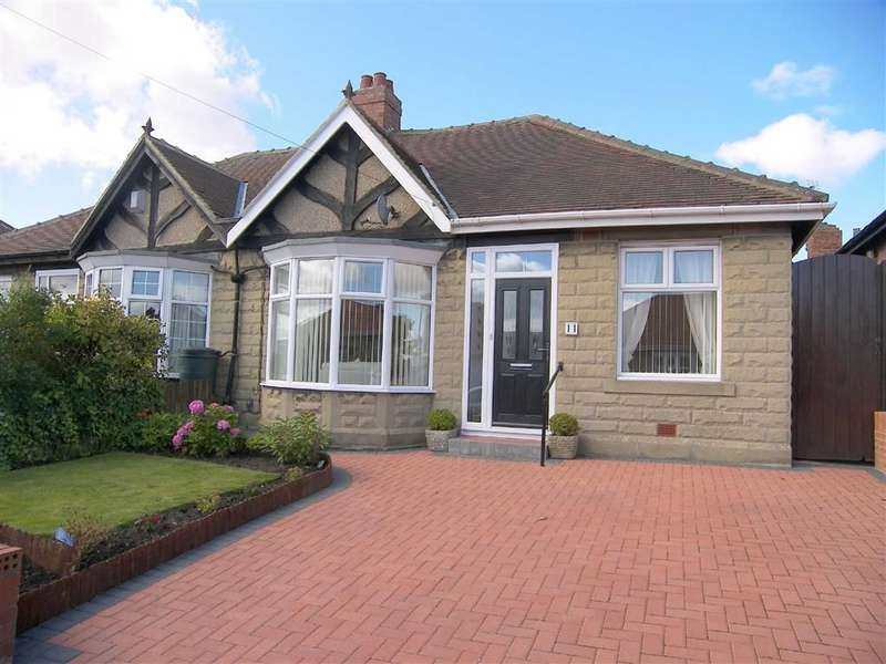 3 Bedrooms Semi Detached Bungalow for sale in Tudor Avenue, North Shields, NE29