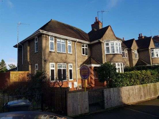 3 Bedrooms Semi Detached House for sale in Billing Road, Abington, Northampton NN1 5RS
