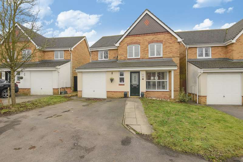4 Bedrooms Detached House for sale in Oceana Crescent, Beggarwood, Basingstoke, RG22