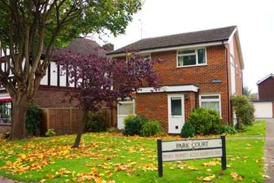 Flat for rent in Church Road, Bookham, KT23