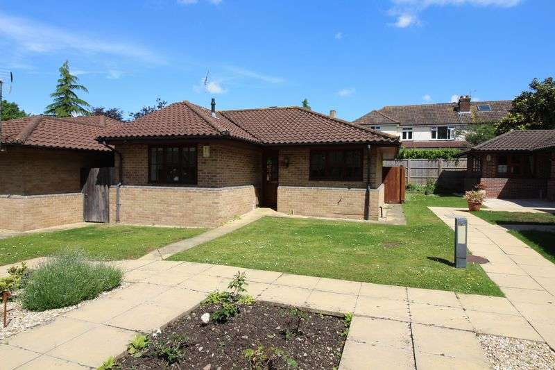 2 Bedrooms Property for sale in Windsor Drive, Nailsea