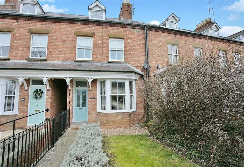 3 Bedrooms Terraced House for sale in Warwick Road, Banbury, Oxfordshire, OX16