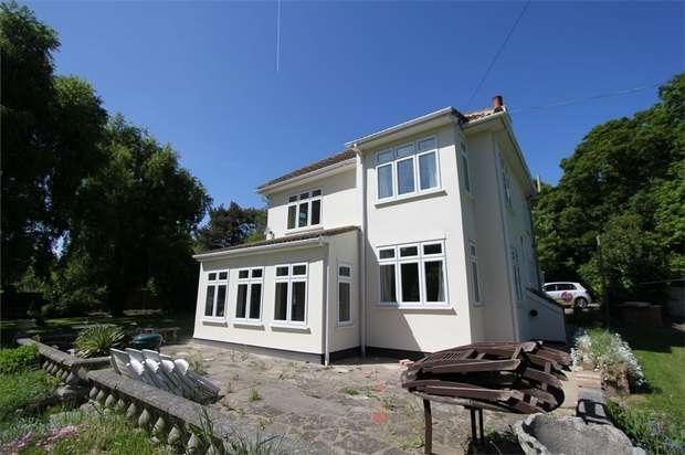 2 Bedrooms Detached House for rent in Poors Lane North, BENFLEET, Essex