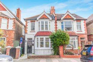 3 Bedrooms Semi Detached House for sale in Worcester Villas, Hove, East Sussex