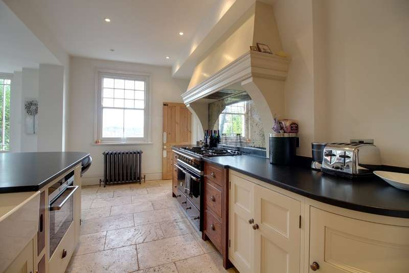 4 Bedrooms Detached House for rent in Port Hill, Hertford