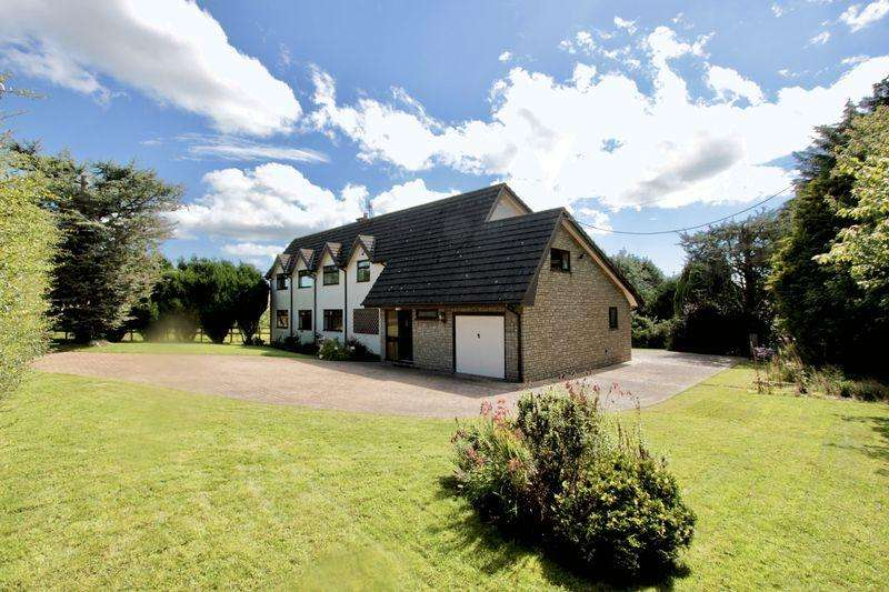 4 Bedrooms Detached House for sale in Marian, Trelawnyd