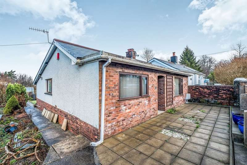 3 Bedrooms Detached Bungalow for sale in Glan Gwerelych, Pontwalby, Neath