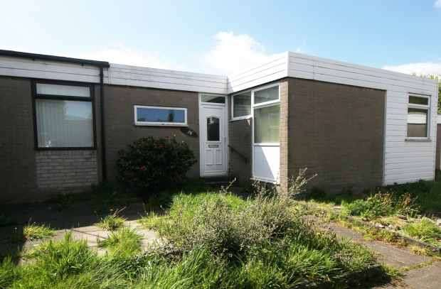 3 Bedrooms Semi Detached Bungalow for sale in Danbers, Skelmersdale, Lancashire, WN8 0DB