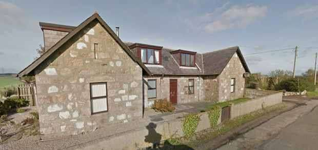 4 Bedrooms Detached House for sale in Springhill Cottage, Peterhead, Aberdeenshire, AB42 3AF