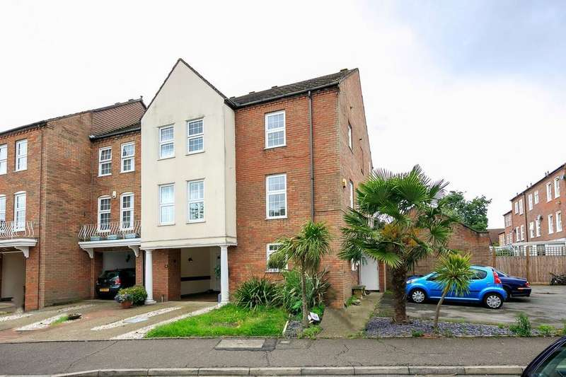 5 Bedrooms Property for sale in Park Crescent , Twickenham TW2