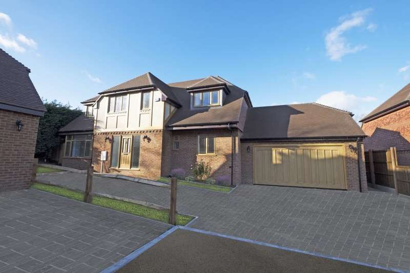 4 Bedrooms Detached House for sale in Leeds Road, Langley, Maidstone, ME17